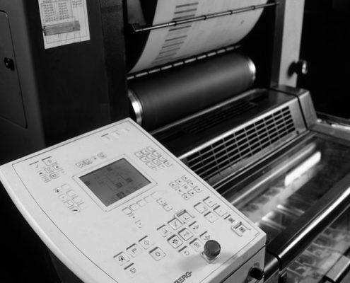 màquina impressió offset